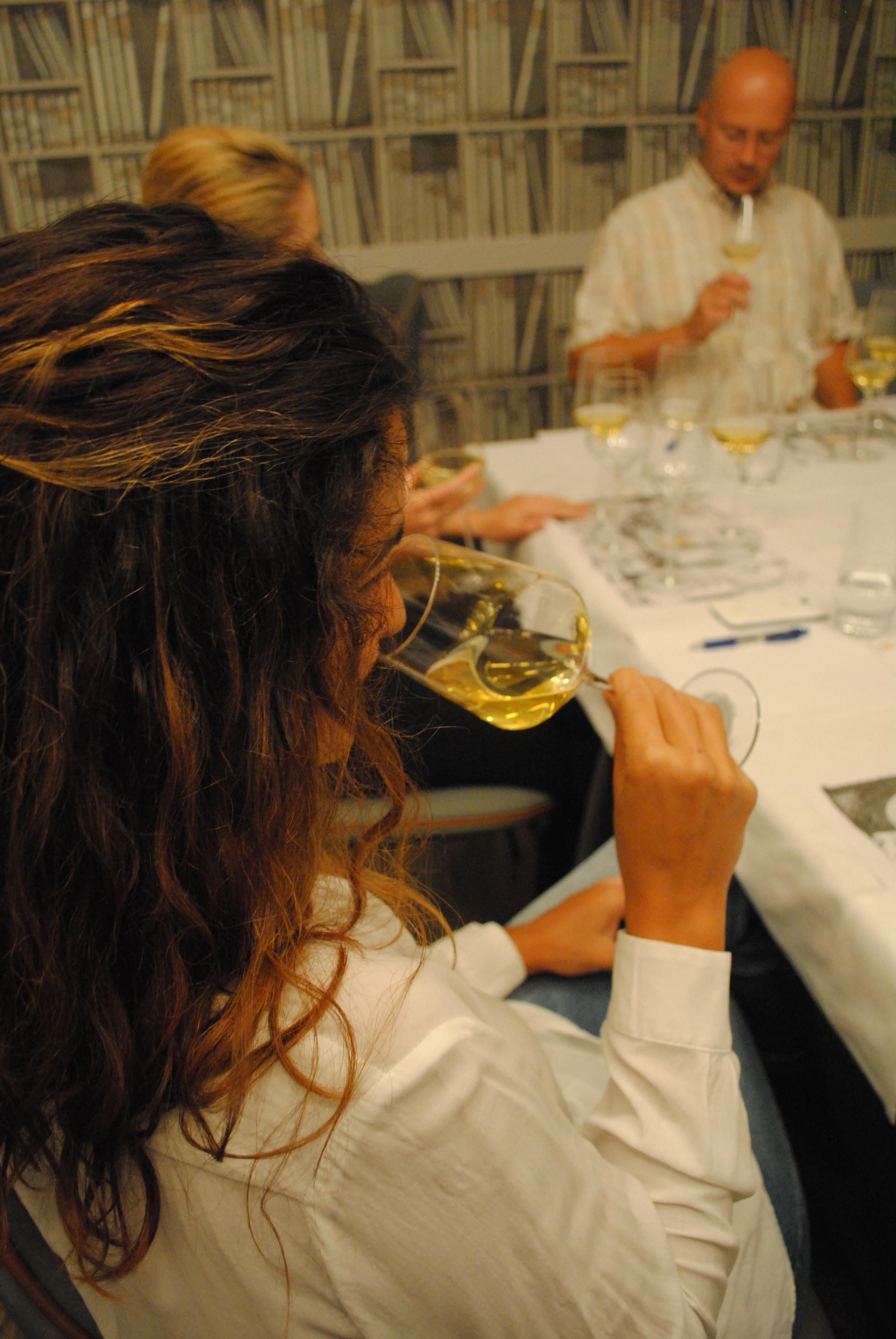 Poslovično čitanje vina – novi termini